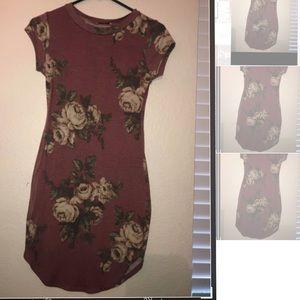 Dresses & Skirts - light burgundy dress size small